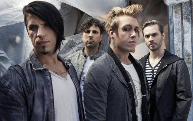 Papa roach face everything and rise (live acoustic @ youtube.
